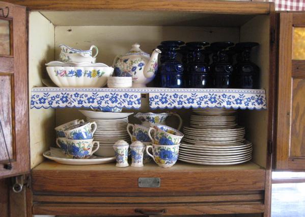 Shelf_paper_cupboard